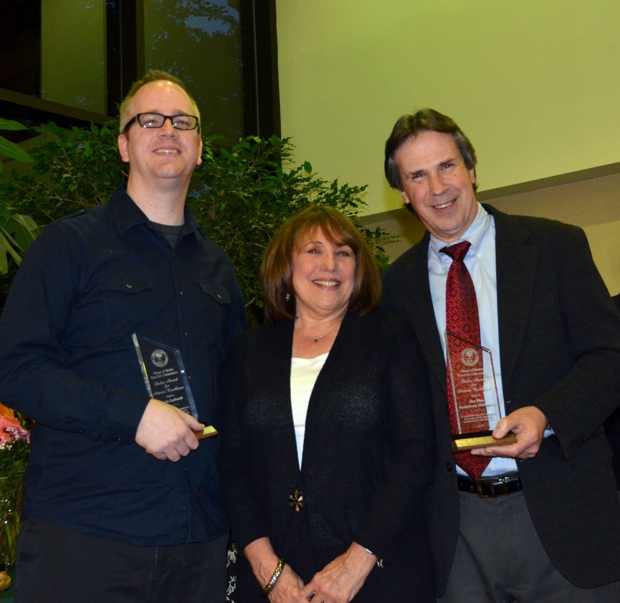 Kevin Luthardt and Alan Heatherington receiving award