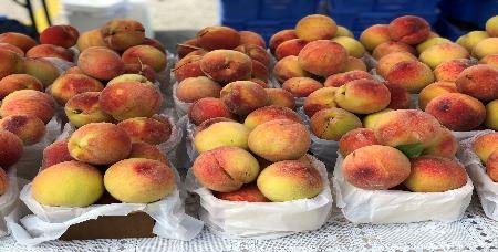 Skokie Farmers' Market Peaches